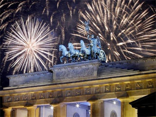 Berlin fireworks streaming